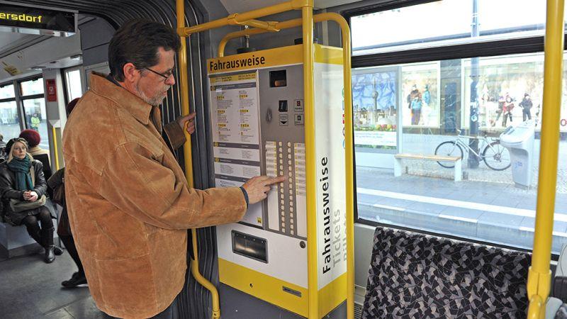 برلین - خرید بلیط در قطار (Tram)